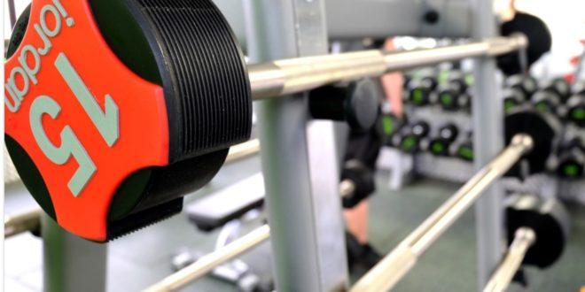 Training mit Kurz- und Langhanteln – effektiv und ein ideales Kraftaufbautraining